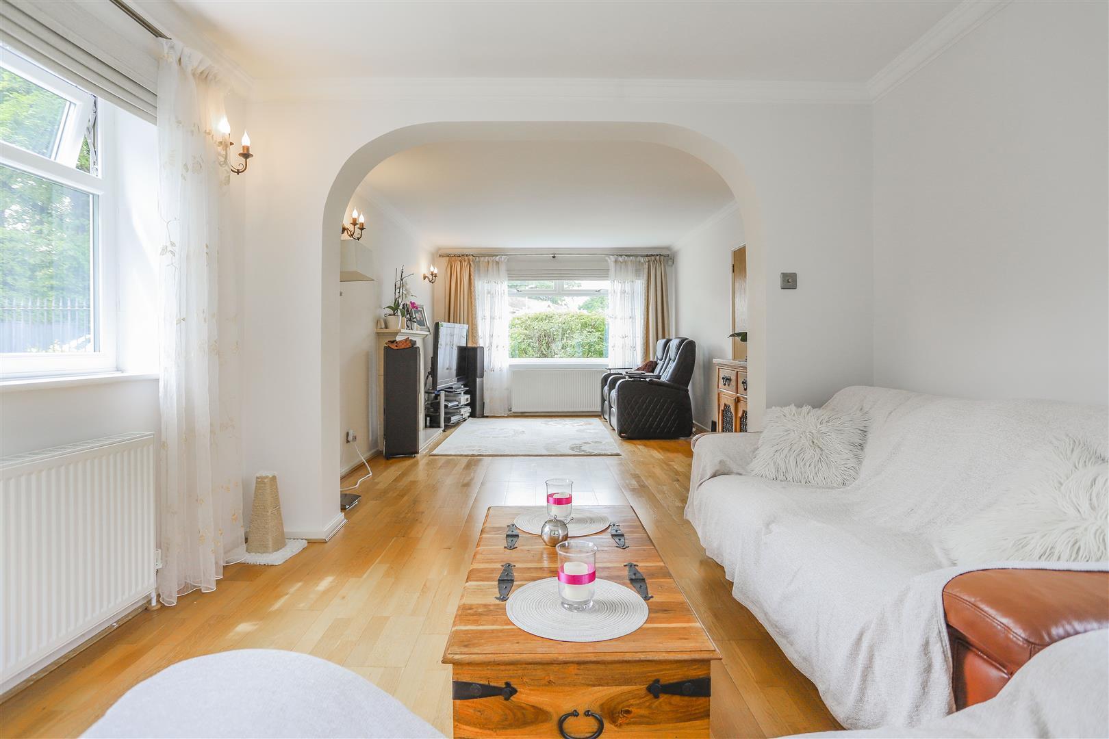 5 Bedroom Detached House For Sale - 19.JPG